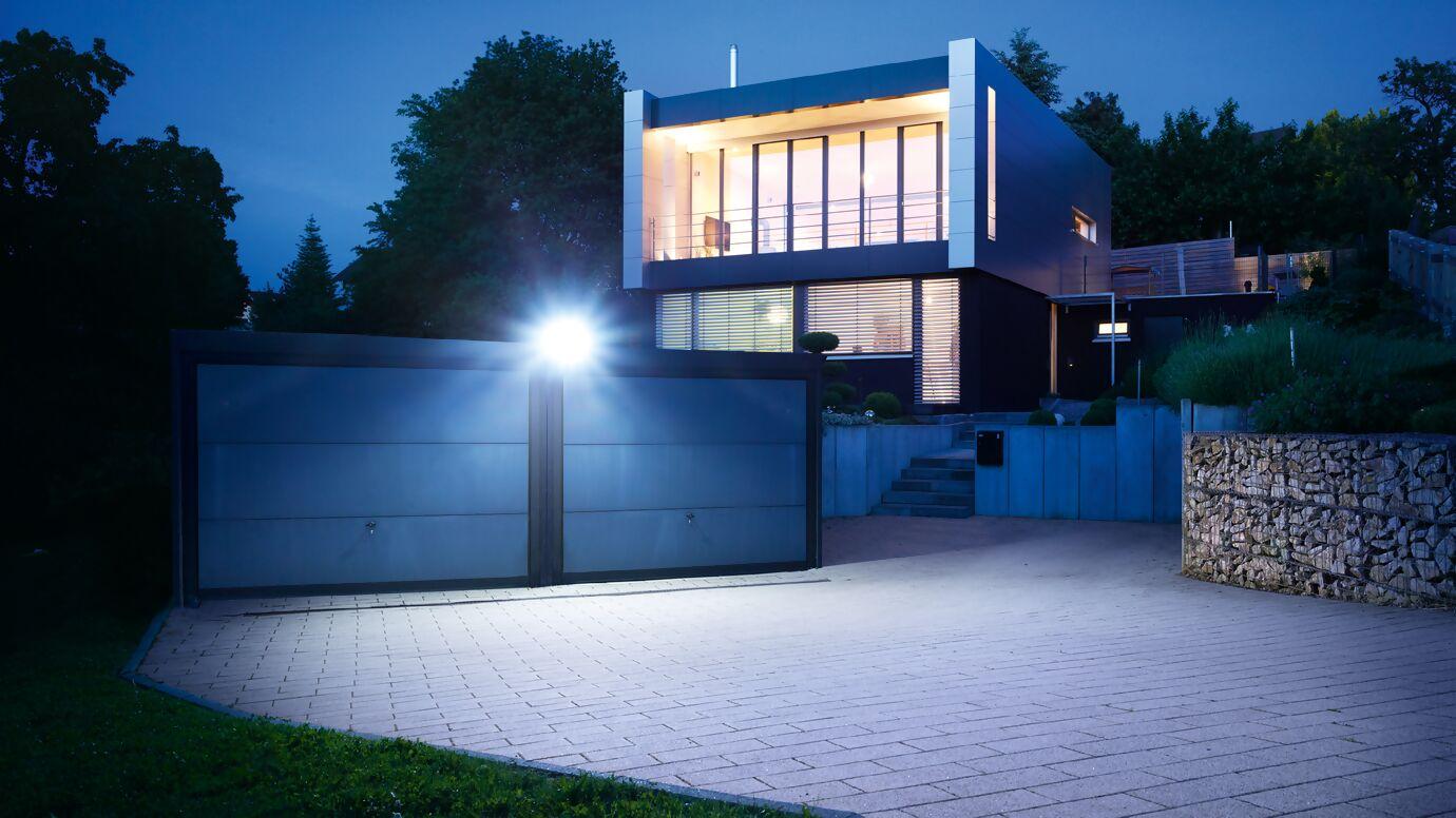 xled-home-2-moodbild-einfahrt.jpg