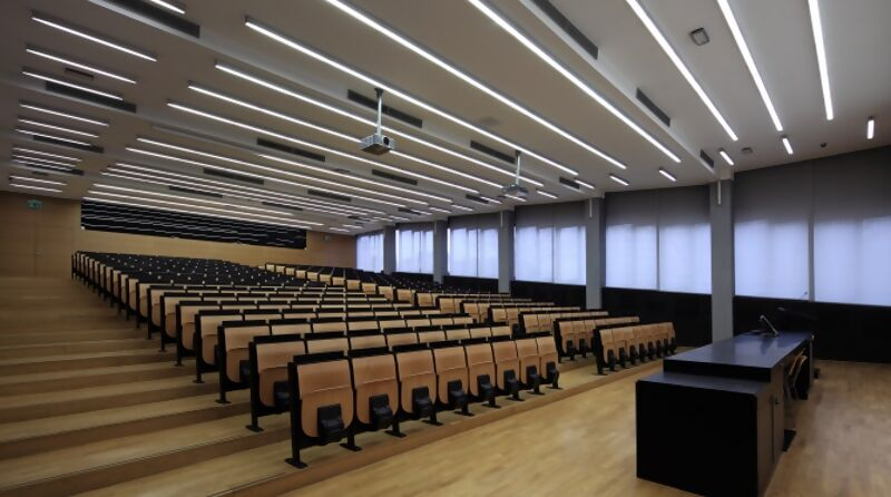 Education_R%C3%A4ume_H%C3%B6rsaal.jpg?type=product_image