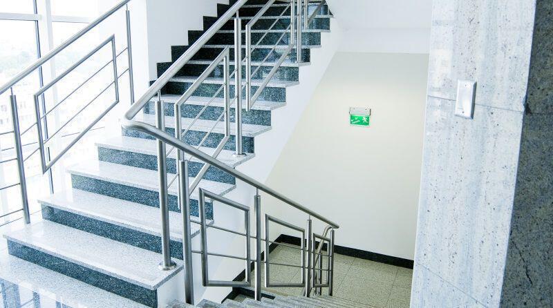 Appartment_Building_Räume_Treppenhaus.jpg