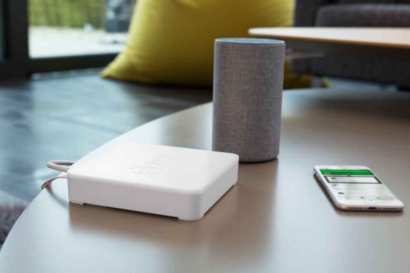 smart-home-smart-friends-alexa-und-handy.jpg